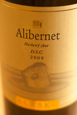 The label of a bottle of Alibernet by Elesko
